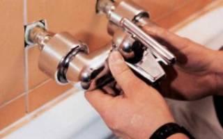 Заменить смеситель в ванной