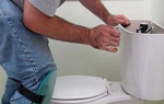 Поплавок в унитазе не перекрывает воду