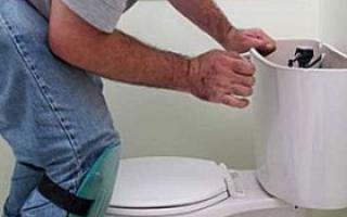 Как установить поплавок в бачке унитаза